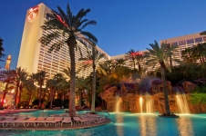 Flamingo Las Vegas Promo Code – Best Rates + $25 Pool Credit